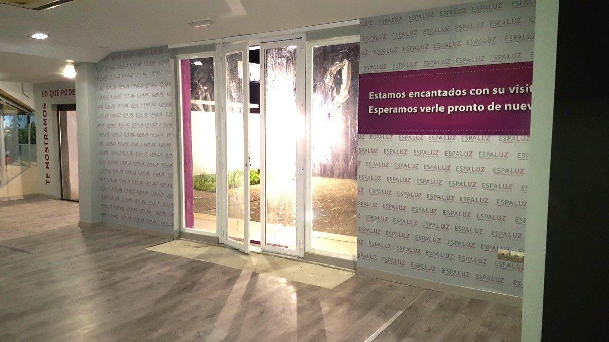 Espaluz diseño de tienda: Entrada desde interior